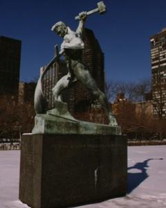 国連本部 銅像