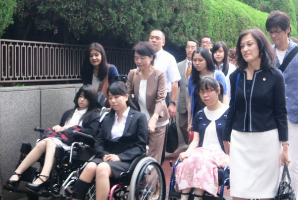 東京地裁への提訴(全国弁護団ウェブサイトから)